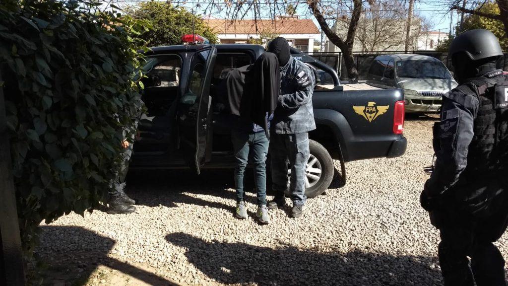 Desbaratan un punto de venta de drogas en Villa El Libertador • Canal C
