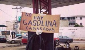 Venezuela comienza a racionar su venta de combustible • Canal C