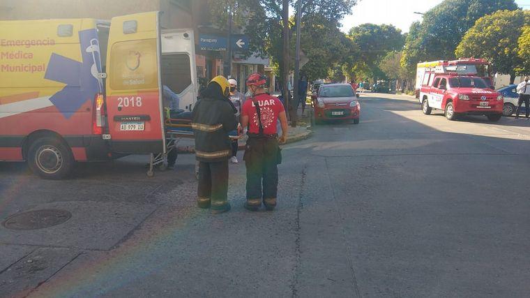 Choque entre un colectivo urbano y un auto dejo 4 heridos • Canal C