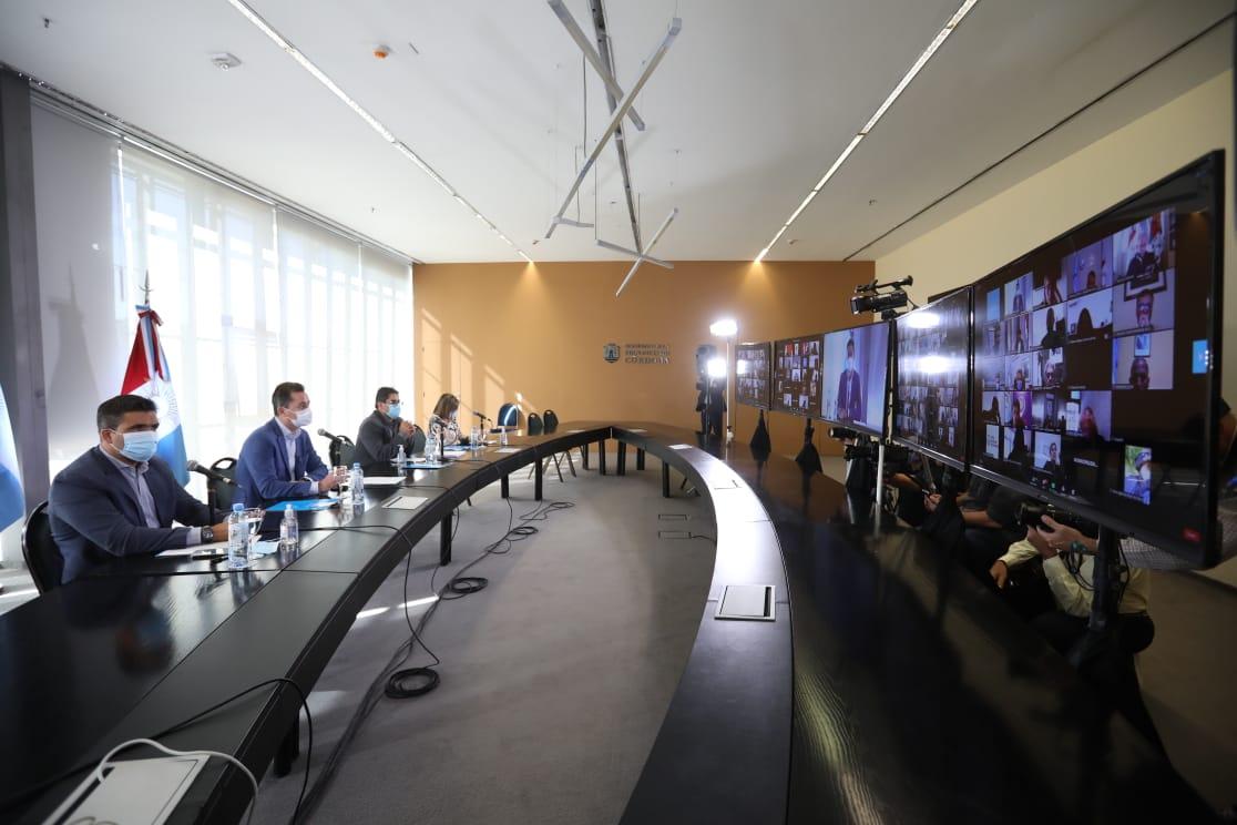Provincia e intendentes se reúnen para definir nuevas restricciones • Canal C