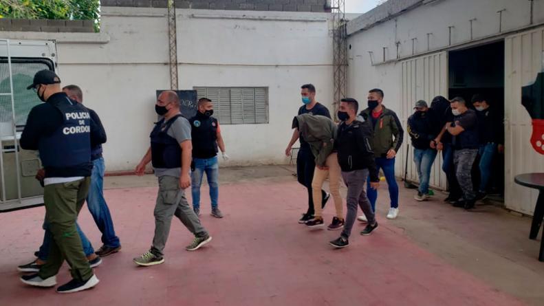Capturaron un banda de estafadores tras megaoperativo policial • Canal C