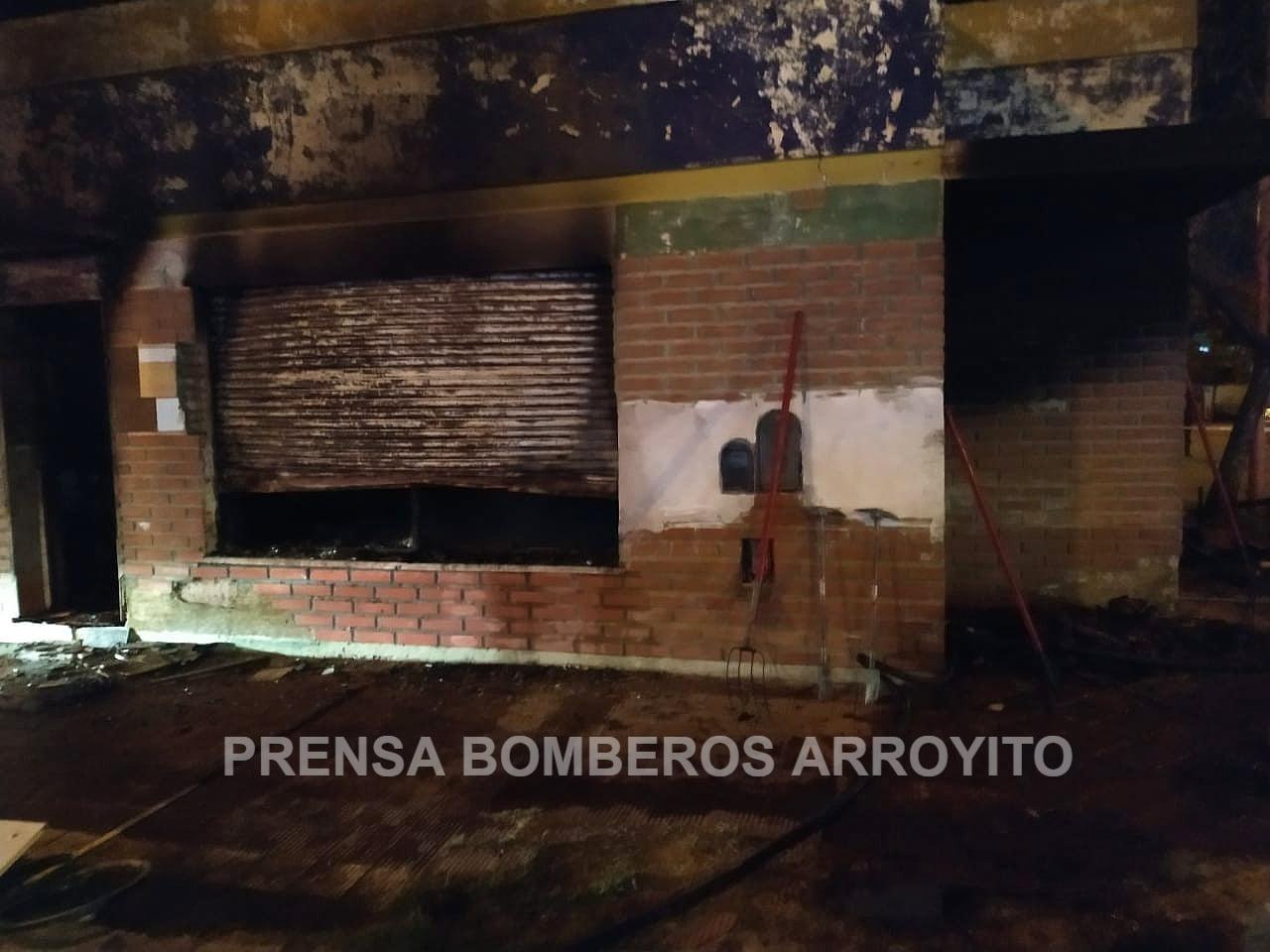 Arroyito: una joven y su bebé fallecieron en un incendio • Canal C